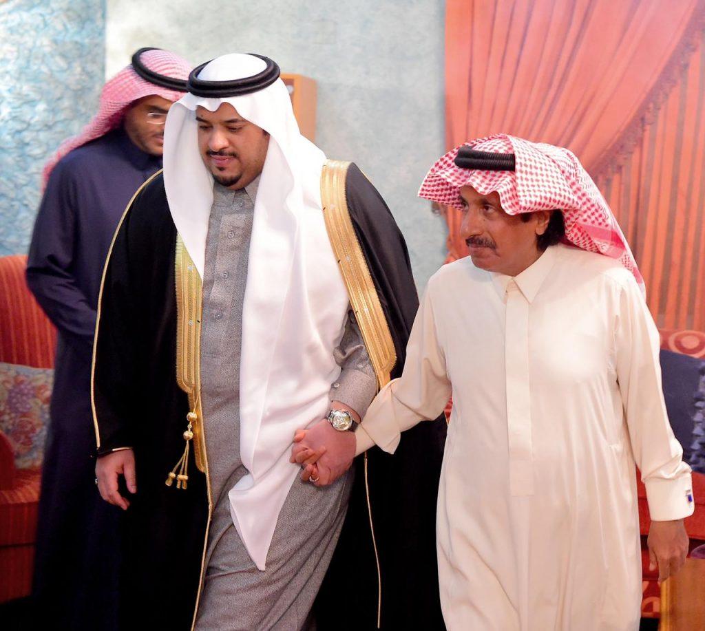 نائب أمير الرياض يقدم العزاء والمواساة في وفاة الأميرة جواهر بنت فهد آل مشاري