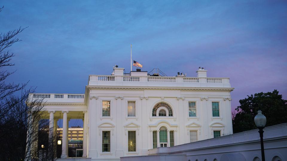 البيت الأبيض : لا يستبعد حدوث إغلاق حكومي جديد