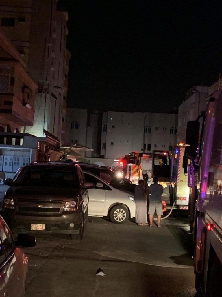 """""""١٩"""" حالة اختناق في حريق شقة سكنية بجدة"""