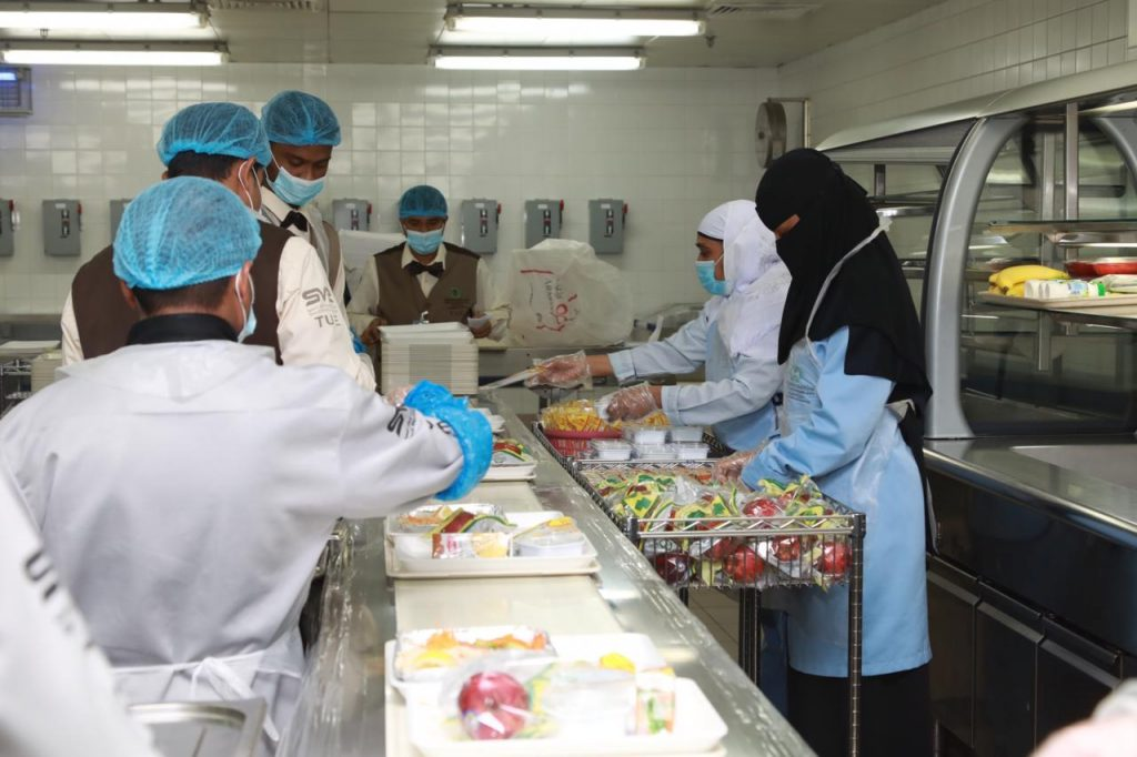 """مليوني وجبة غذائية في """"سعود الطبية"""" للمنومين خلال عام"""