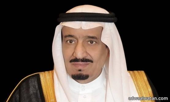 """الملك سلمان يأمر بتوفير """"300"""" ألف مصحف بالحرمين الشريفين"""