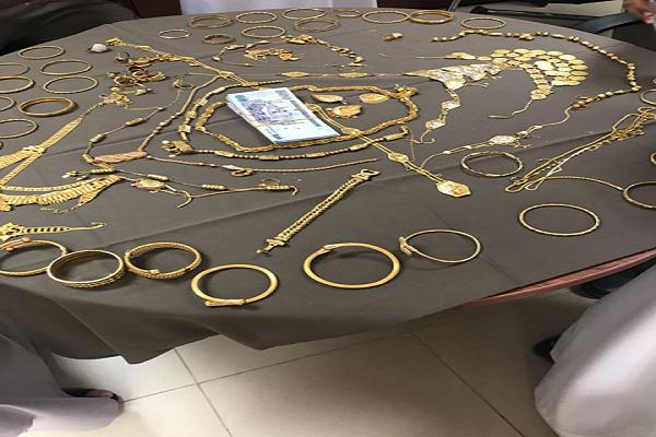 القبض على عصابة بالباحة قامت بسرقة مبالغ مالية ومشغولات ذهبية