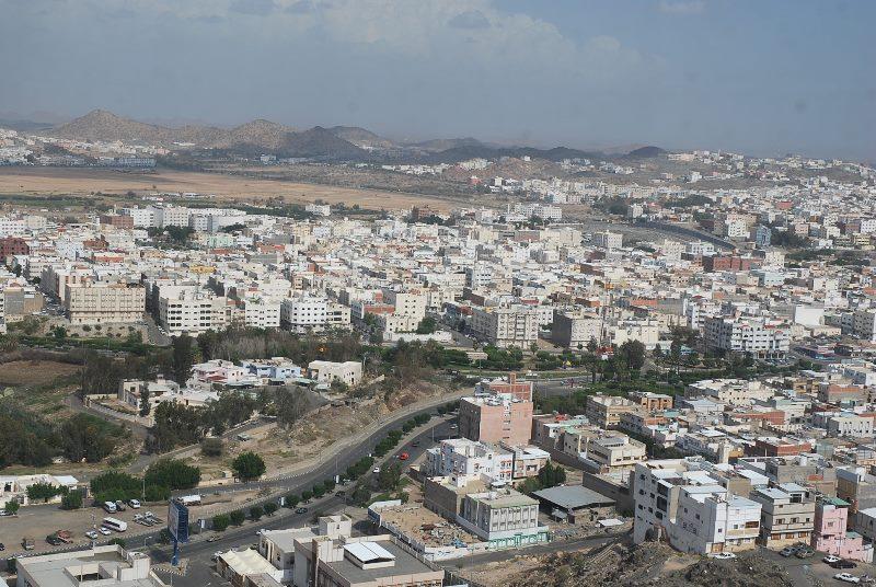 ضبط 76 مخالفة بالمنشآت السياحية في الطائف