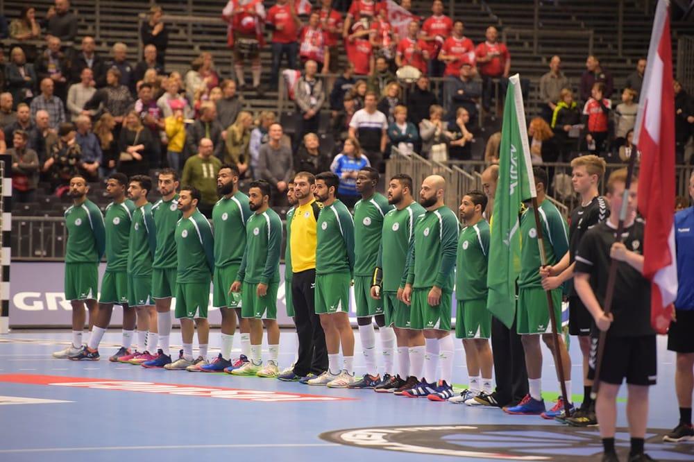 أخضر اليد يواجه الدنمارك في ثالث جولات كأس العالم