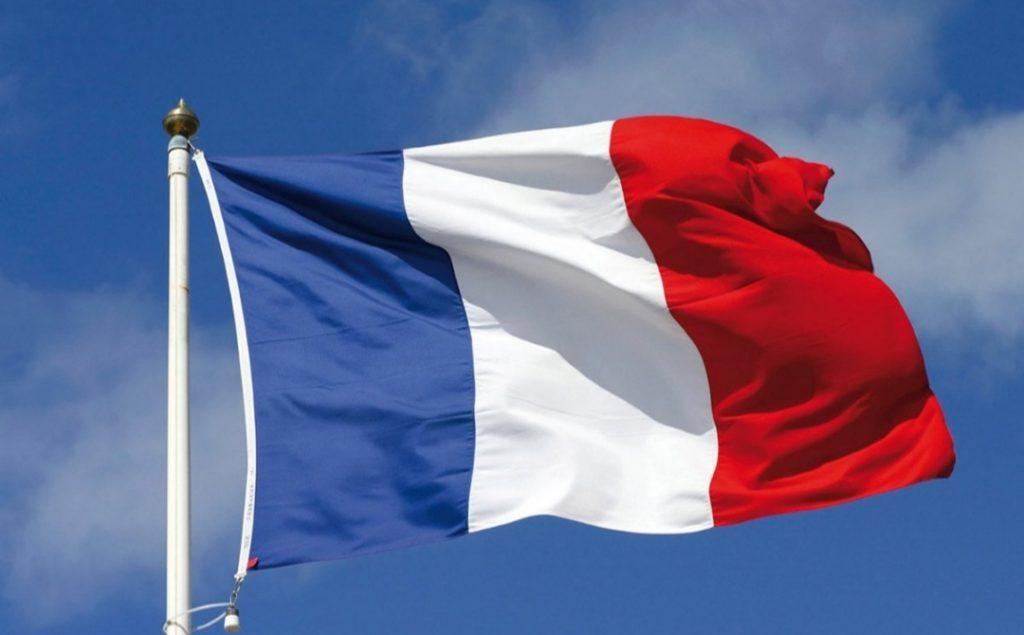 فرنسا تطالب إيران بوقف أنشطتها الخاصة بالصواريخ الباليستية