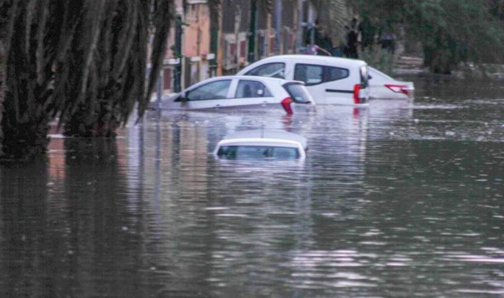 مصرع 8 وإصابة 27 بسبب الأحوال الجوية بالجزائر