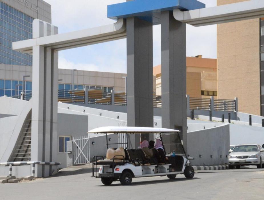 توفير عربات نقل كهربائية للمستفيدين من خدمات مستشفى الملك فهد بالباحة