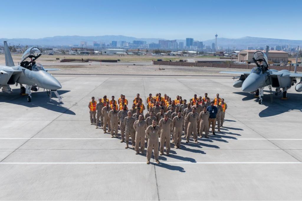 قائد القوات الجوية الملكية السعودية يتفقد مجموعة القوات الجوية المشاركة في تمرين العلم الأحمر 2019